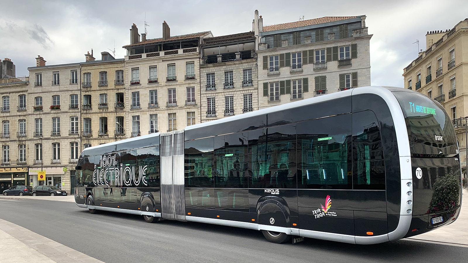 Bayonne: der Tram'bus ist emissionsfrei unterwegs. Foto: Hilke Maunder