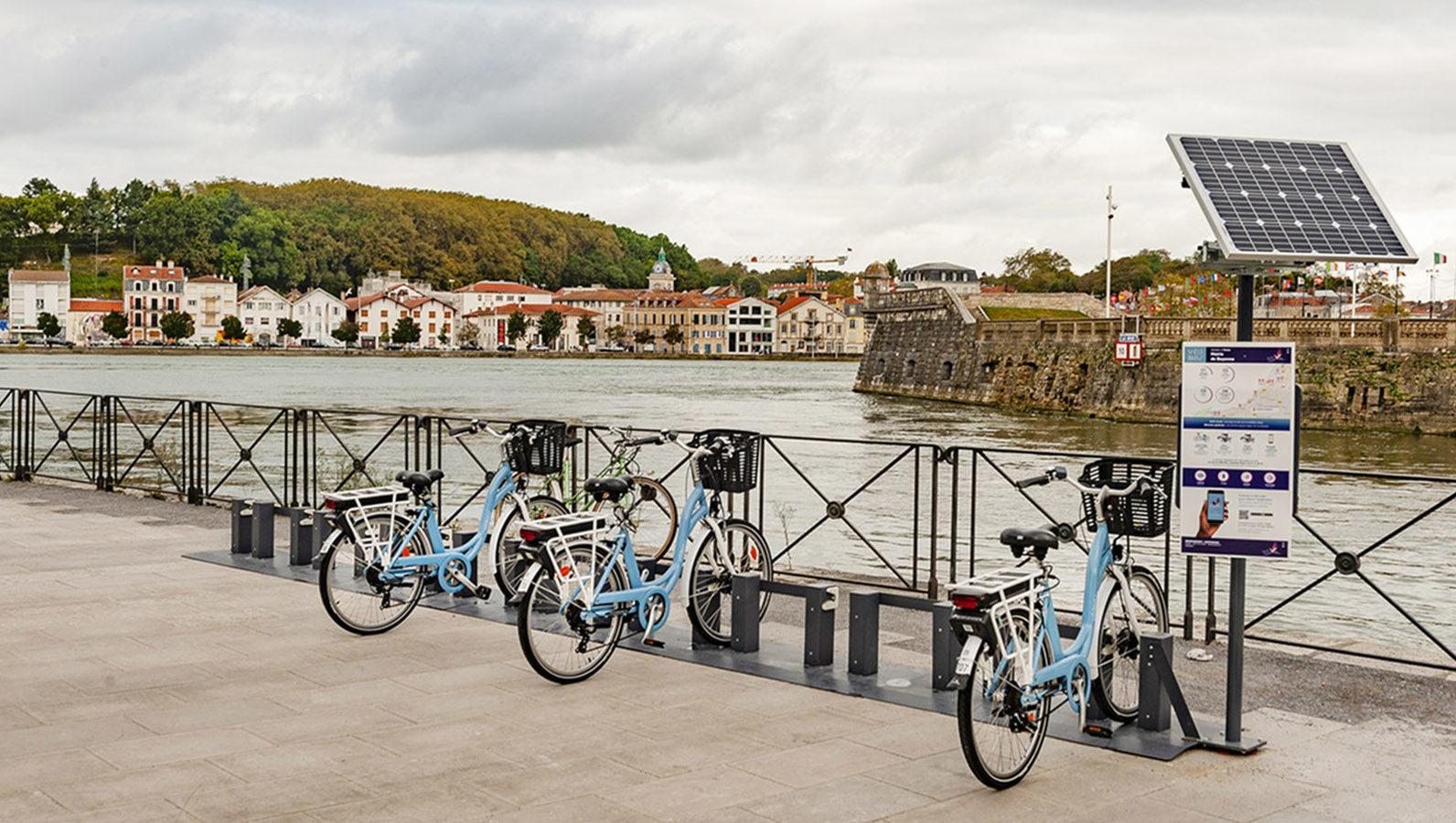 Bayonne: Die Stadträder findet ihr an sechs Standorten. Foto: Hilke Maunder