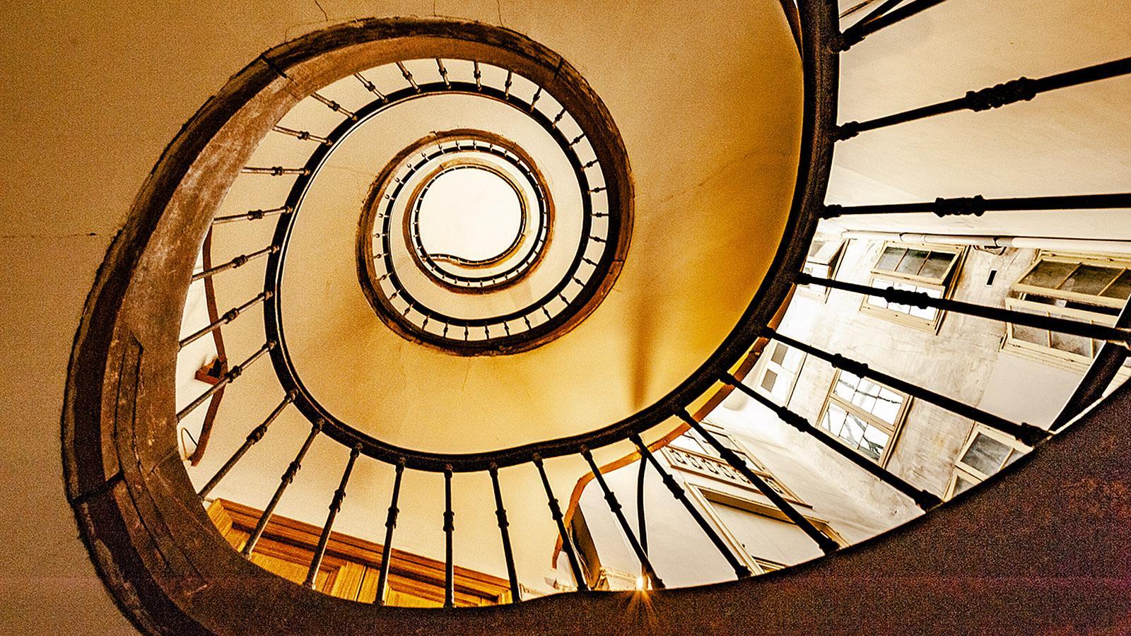 Wendeltreppe im Innern eines alten Hauses im Herzen von Bayonne. Foto: Hilke Maunder