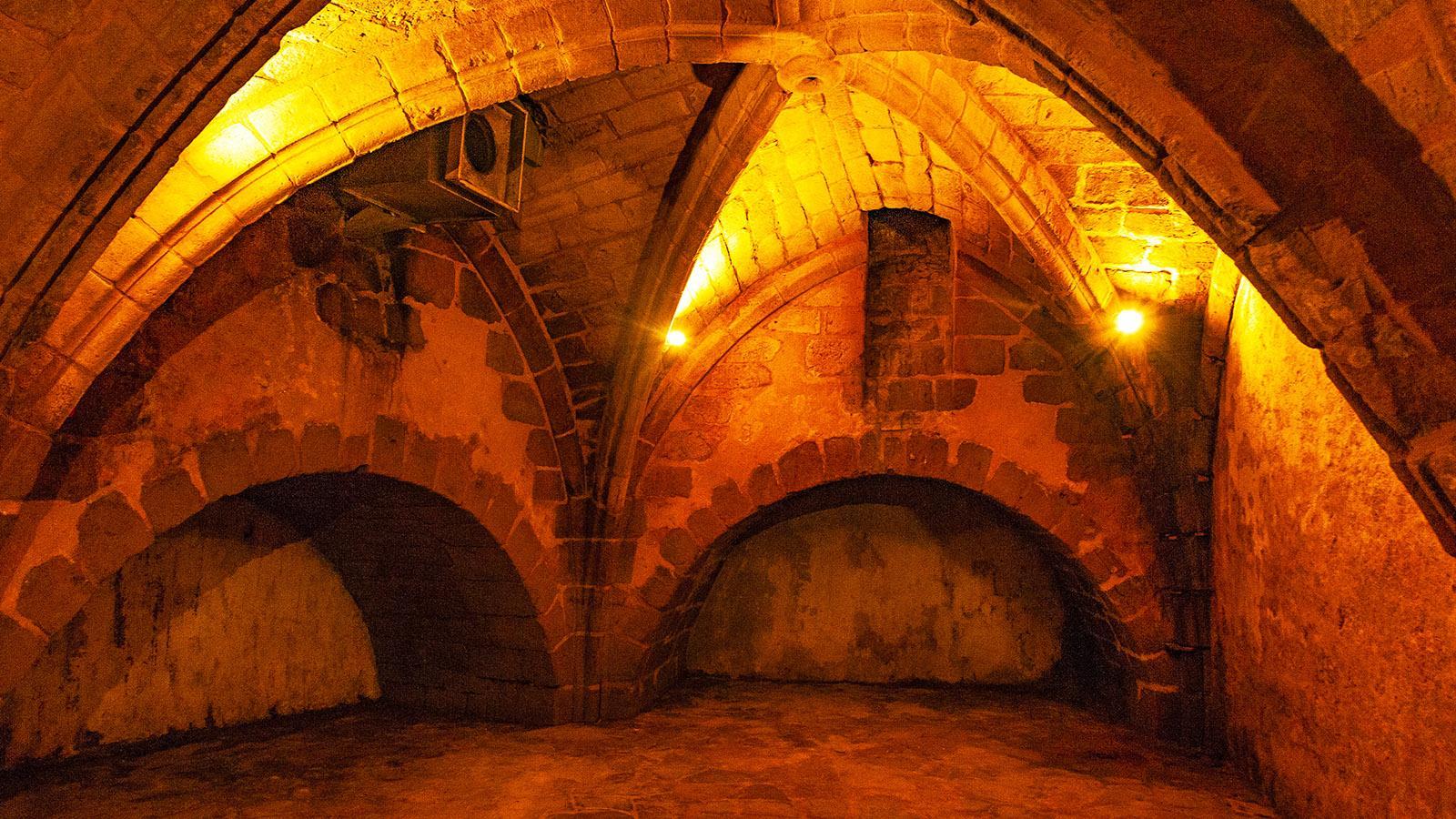 Warenlager wie Kapellen - viele verstecken sich seit dem Mittelalter in der Unterwelt von Bayonne. Foto: Hilke Maunder