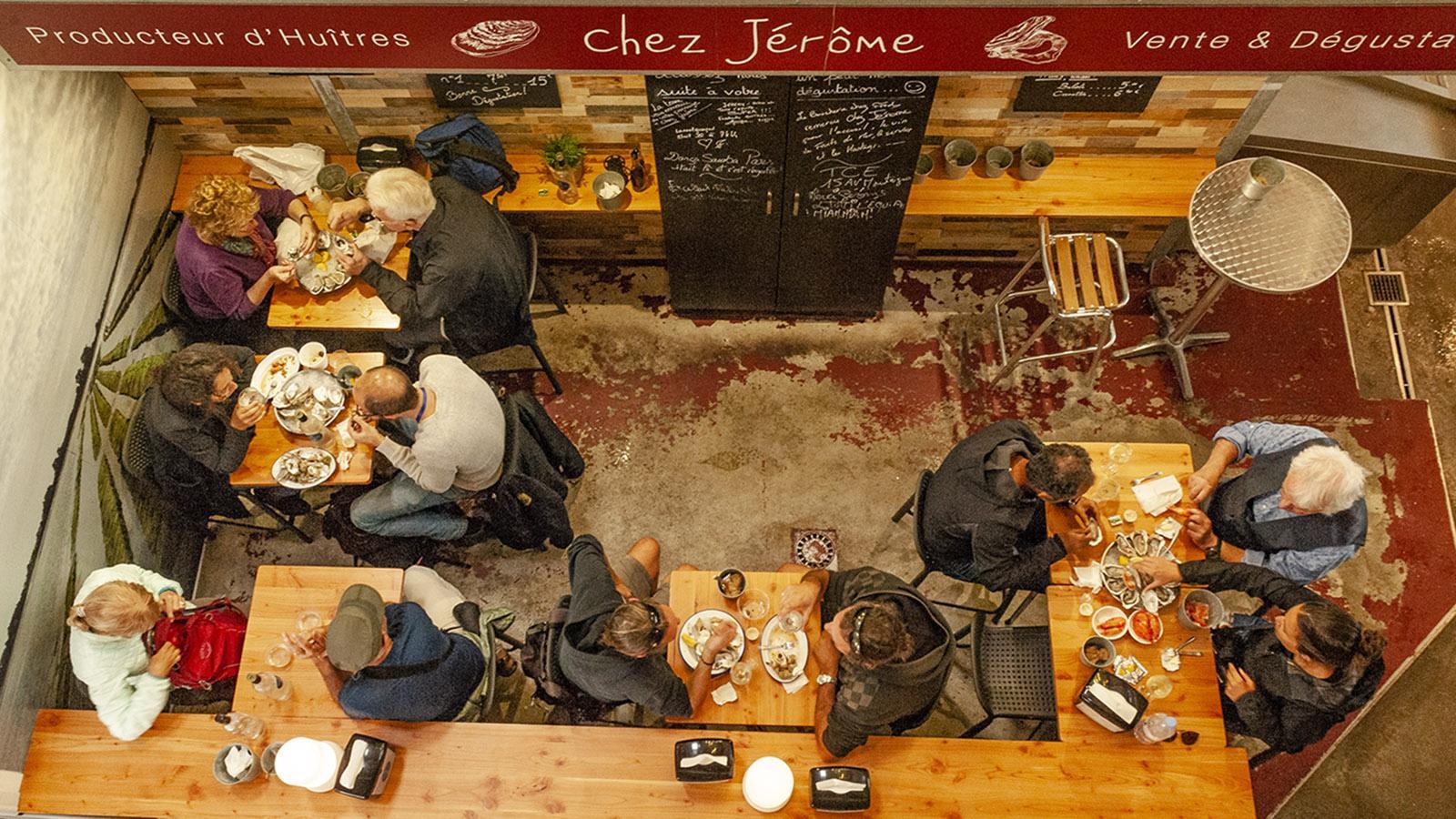 """Austernbar """"Chez Jérôme"""" in der Markthalle von Biarritz. Foto: Hilke Maunder"""
