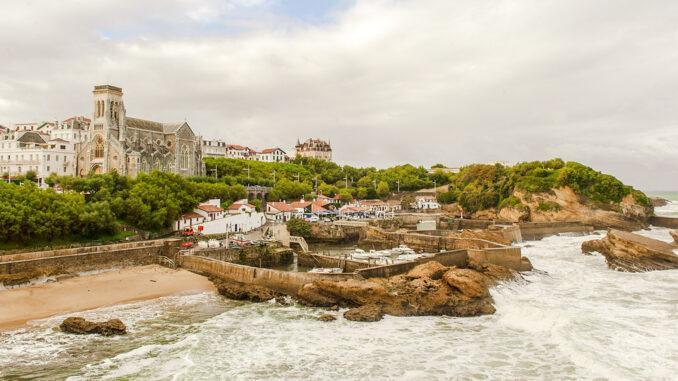 Blick auf die Bucht von Port-Vieux von Biarritz. Foto: Hilke Maunder