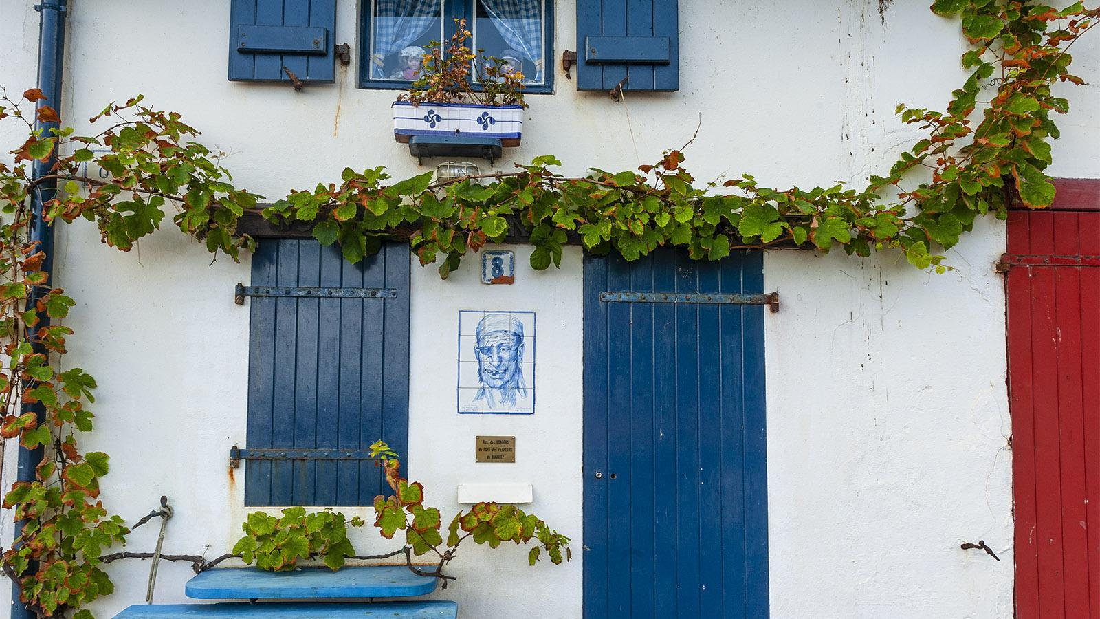 """Von außen der Hingucker im Port-Vieux von Biarritz: die """"crampotte"""" von François Doyhamboure. Foto: Hilke Maunder"""