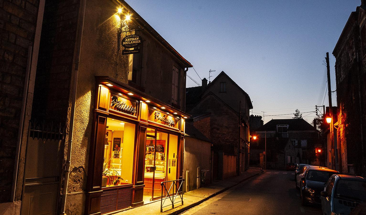Bourron-Marlotte: die Bäckerei am frühen Morgen. Foto: Hilke Maunder