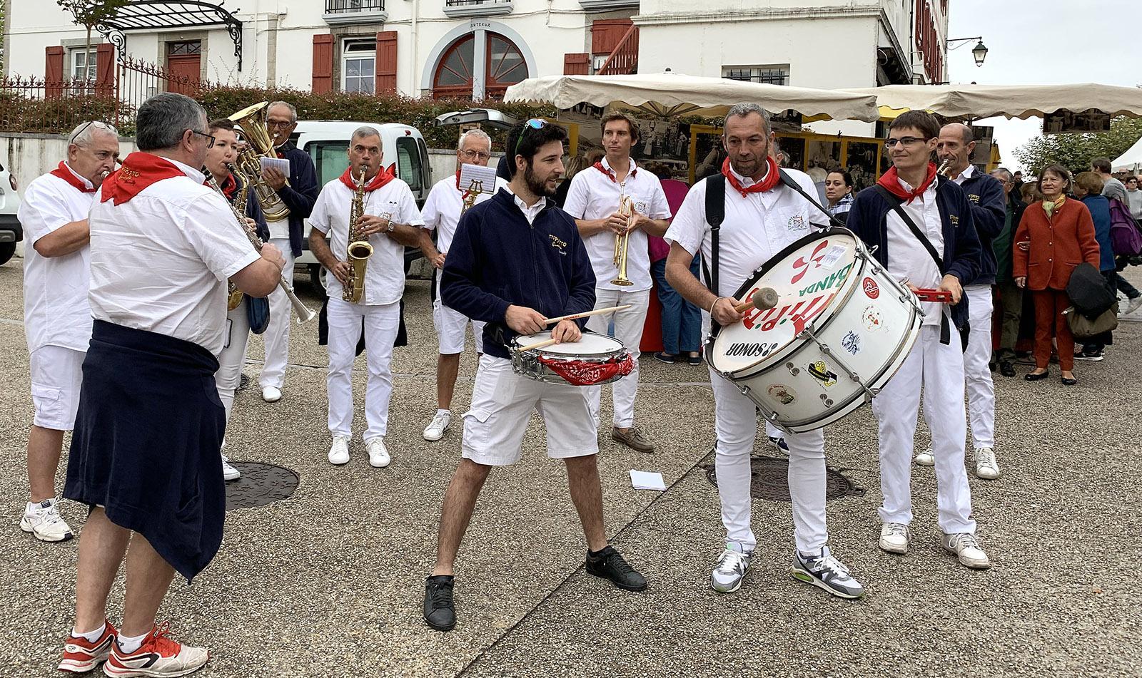 Fête du Gâteau Basque: Musik gehört dazu! Foto: Hilke Maunder