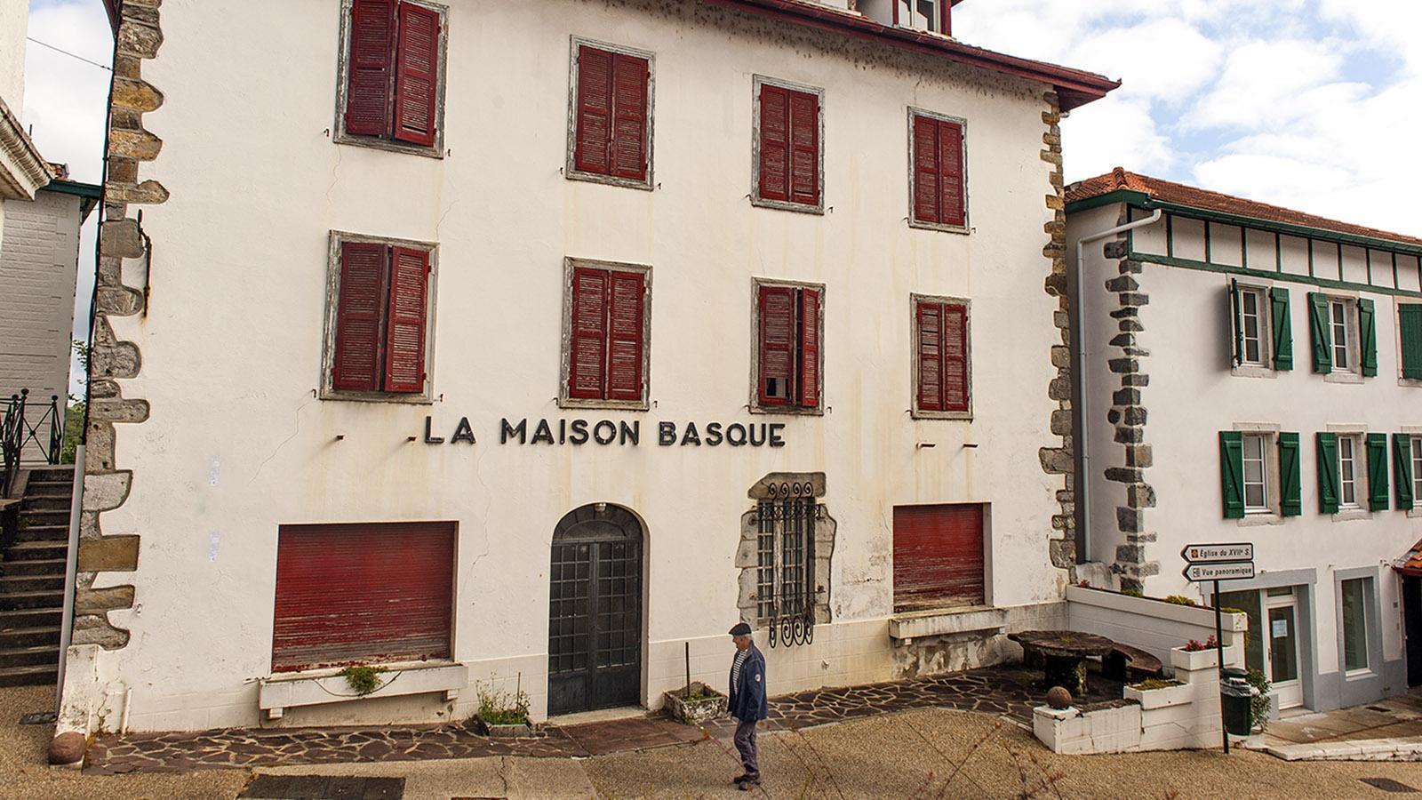 Fête du Gâteau Basque. Die Maison Basque von Cambo-les-Bains. Foto: Hilke Maunder