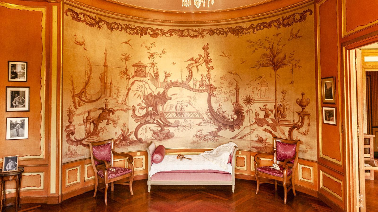 Villa Arnaga: Garderobe von Rosemonde. Foto: Hilke Maunder