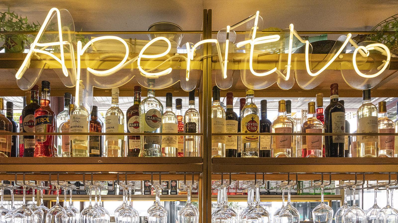 Spritz und mehr gibt es an der Bar des Italieners am Haupteingang der Gare du Sud. Foto: Hilke Maunder