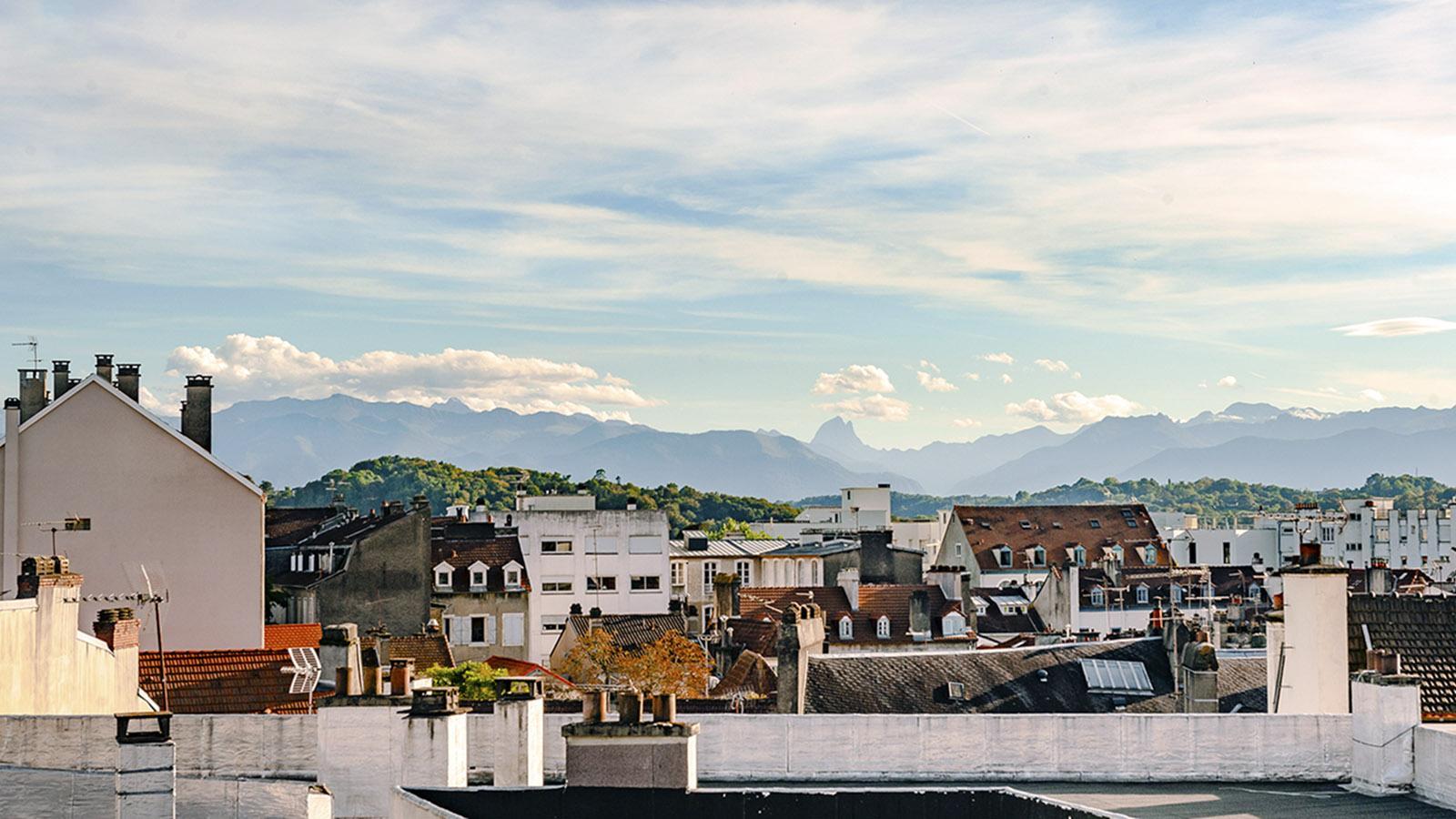 Pau: Pyrenäenblick vom Hôtel Bristol. Foto: Hilke Maunder