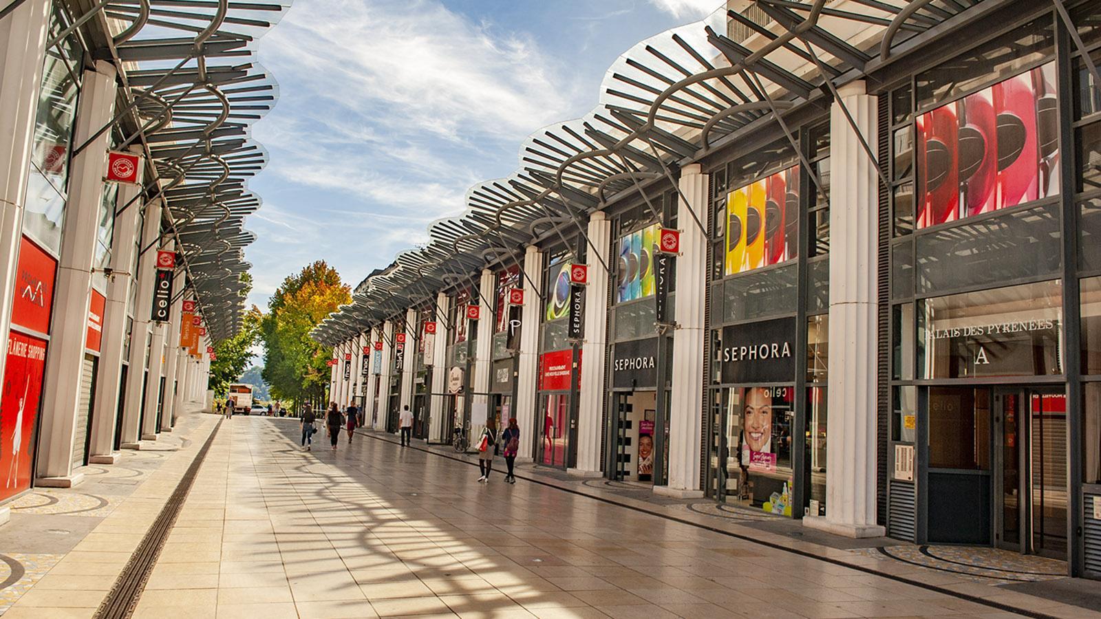 Pau: Einkaufszentrum Palais de Pyrénées. Foto: Hilke Maunder