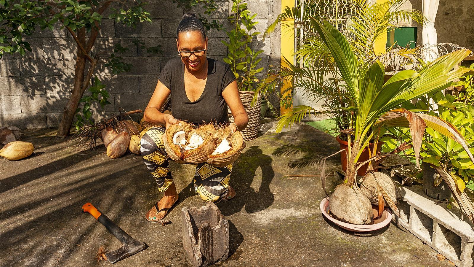 Guadeloupe: Laura Castry verwandelt die Kokosnuss in Kosmetik, Foto: Hilke Maunder