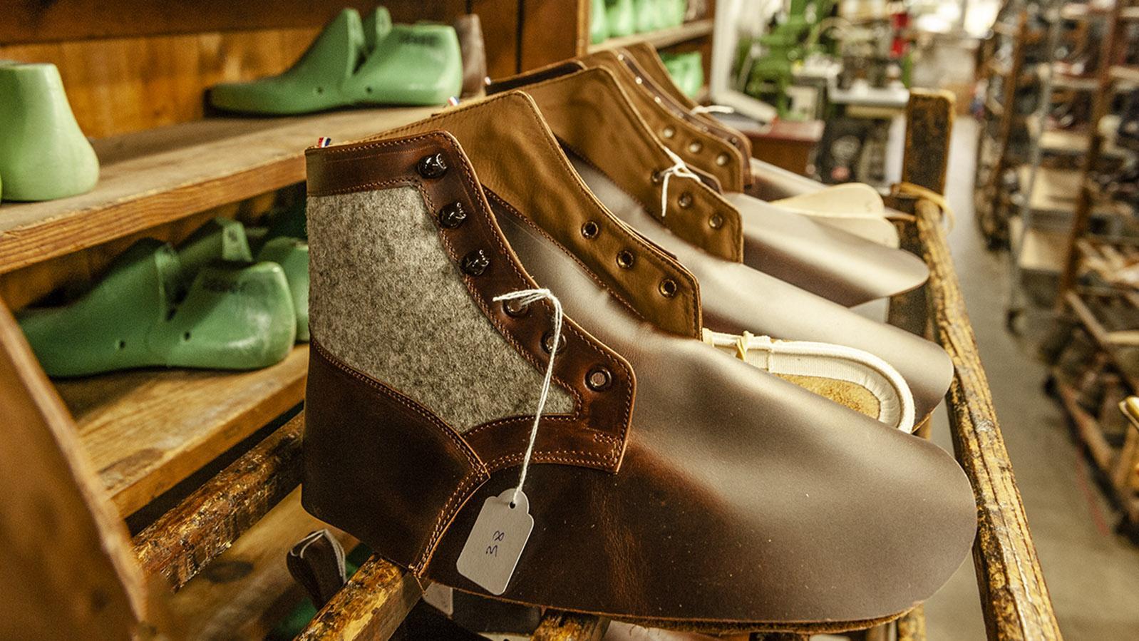 Le Soulor: Schafwolle aus dem Béarn schmückt diesen Schuh. Foto: Hilke Maunder