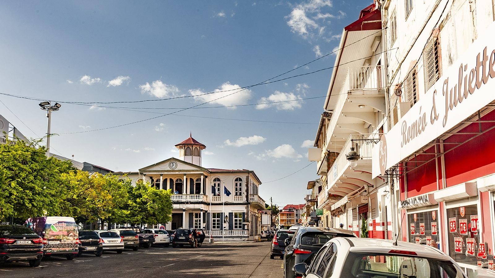 Guadeloupe: das Rathaus von Basse-Terre. Foto: Hilke Maunder