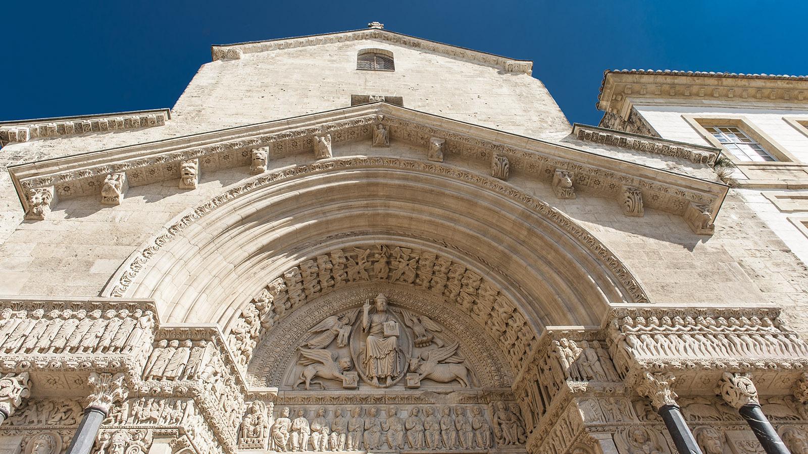 Das Portal von Saint-Trophime in Arles. Foto: Hilke Maunder