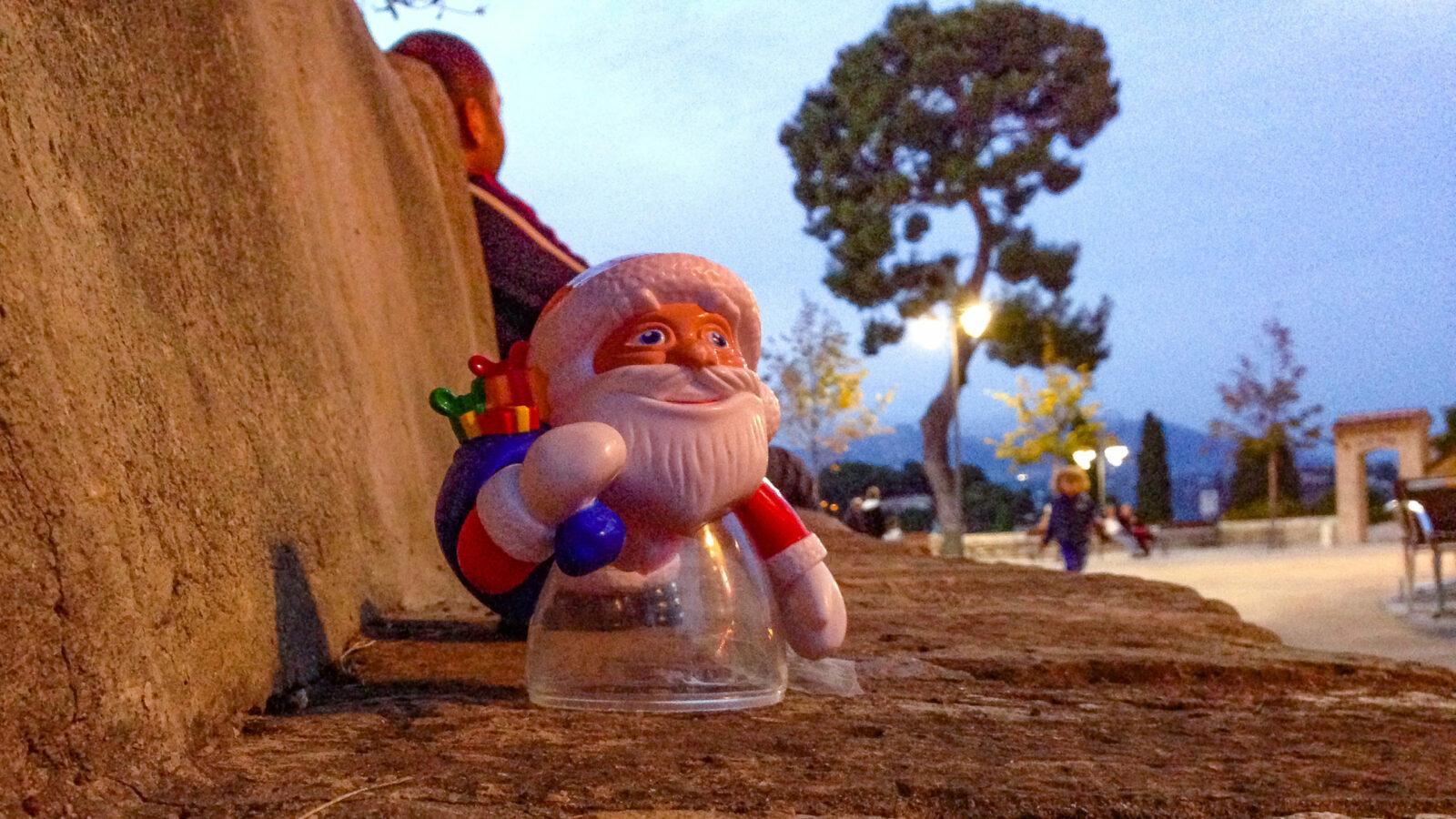Haut-de-Cagnes, Weihnachtsschmuck. Foto: Hilke Maunder
