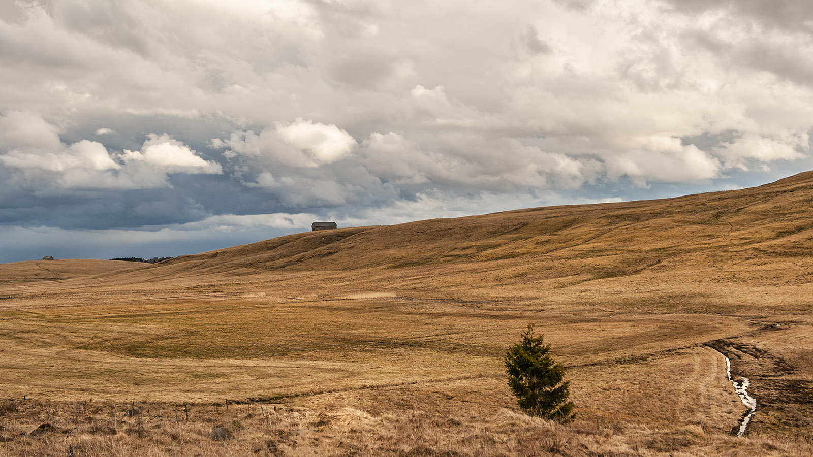 Unterwegs im Süden der Auvergne bei Ségur-les-Villas. Foto: Hilke Maunder