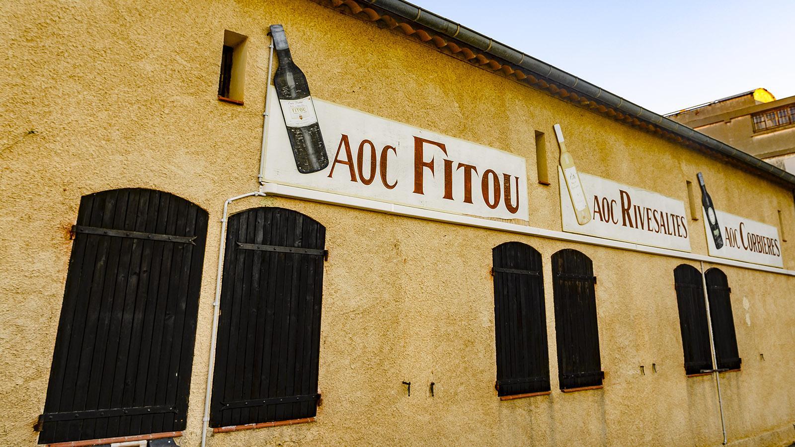 Fitou: die Genossenschaftskellerei der Fitou Maritime im Herzen des Straßendorfes Fitou. Foto; Hilke Maunder