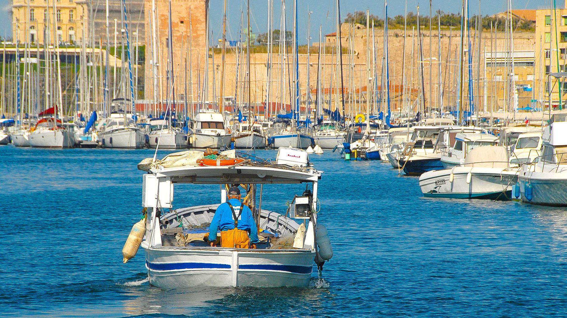 Marseille: Fischer im Vieux-Port. Foto: Hilke Maunder