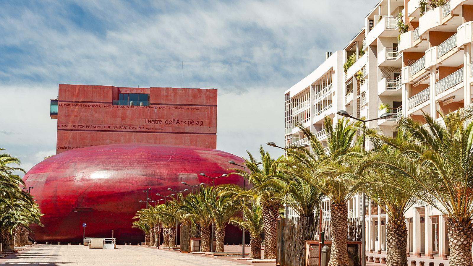 Das Theater von Perpignan entwarf Frankreichs Stararchitekt Jean Nouvel. Foto: Hilke Maunder