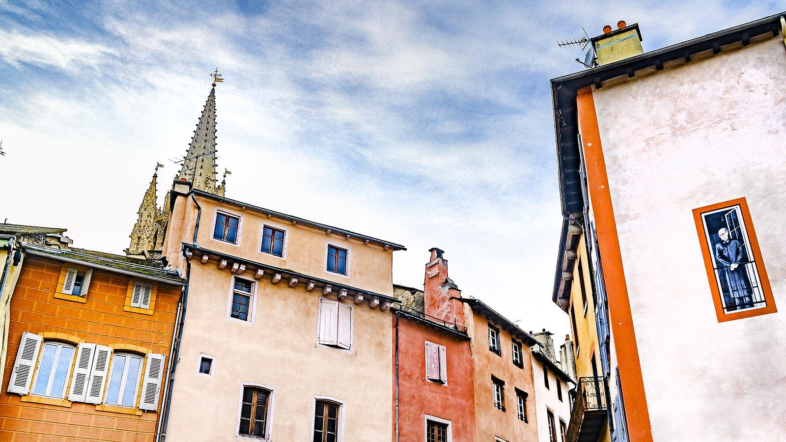 Die Kathedrale überragt die kleine, enge Altstadt von Mende. Foto: Hilke Maunder