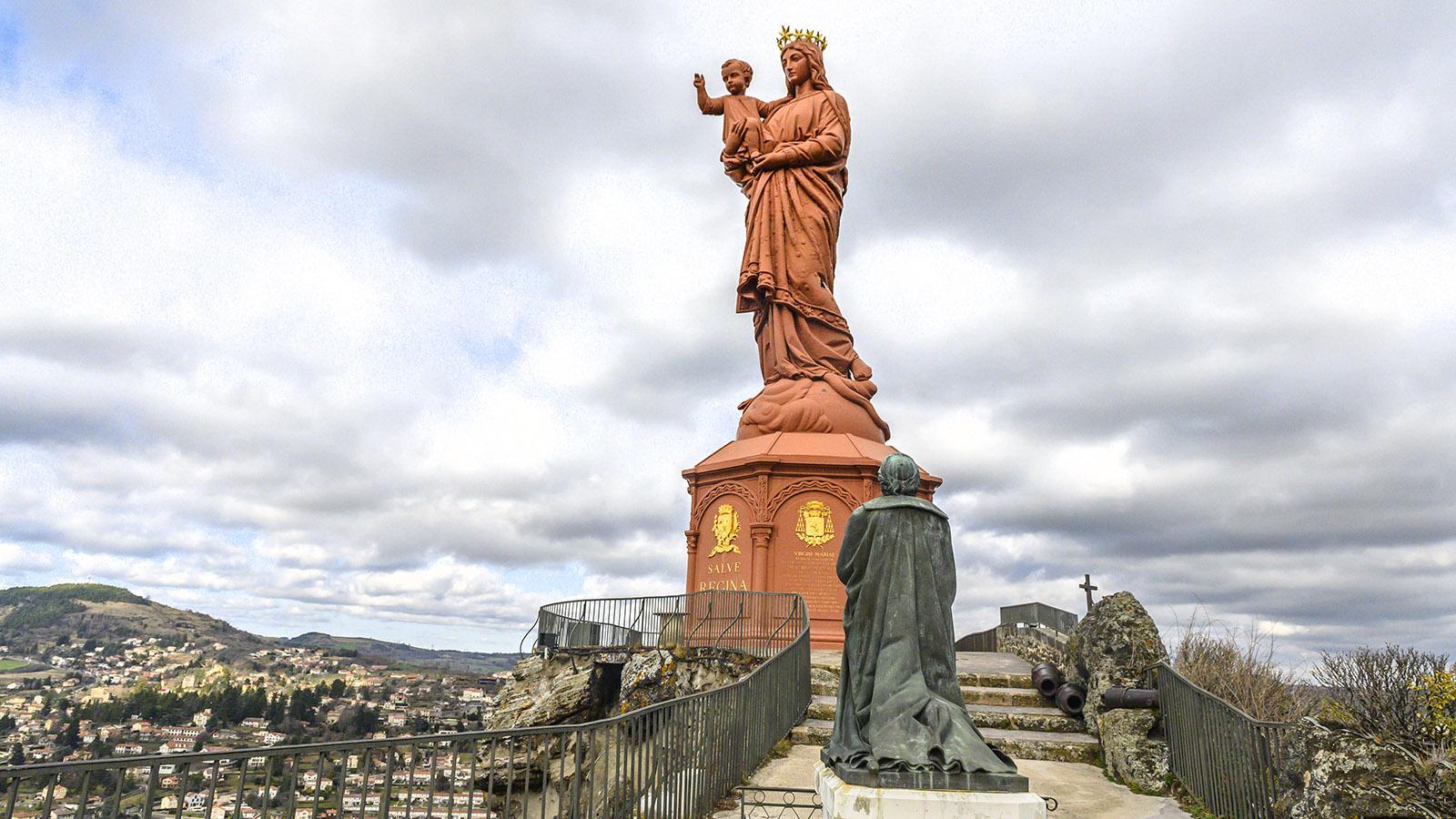 In Le Puy-en-Velay wacht die Dame La France über die Pilgerstadt an der Loire. Foto: Hilke Maunder