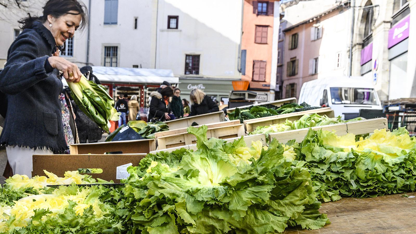 Marktzeit auf der Place Plot in Le-Puy-en-Velay. Foto: Hilke Maunder