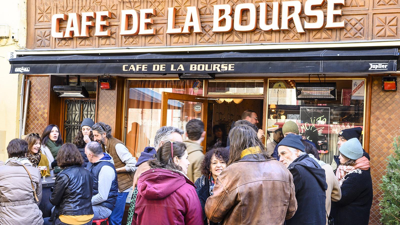 Beliebt: das Café de la Bourse in Le Puy-en-Velay. Foto: Hilke Maunder