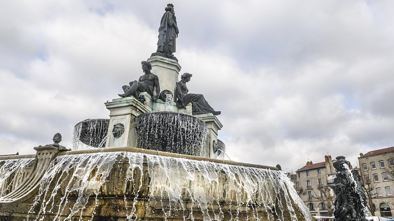 Beeindruckende Wasserkunst: La Grande Fontaine Crozatier au der Place du Breuil. Foto: Hilke Maunder
