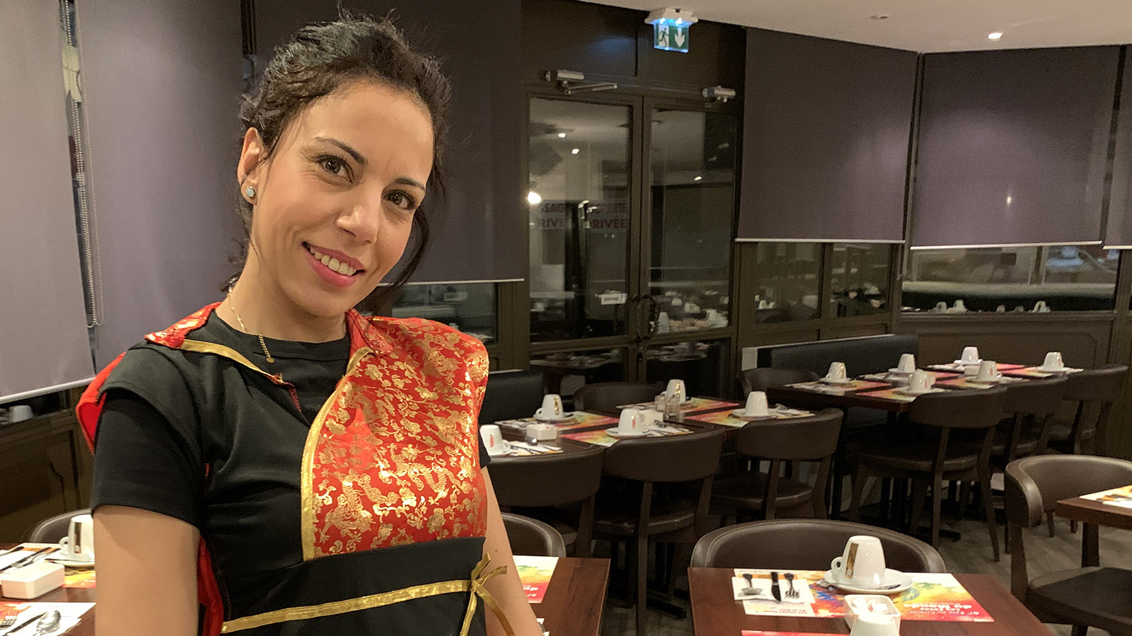 Fête du Citron. Auch Fatima hat sich für die Fête du Citron verkleidet - ihr trefft sie morgens im Speisesaal. Foto: Hilke Maunder