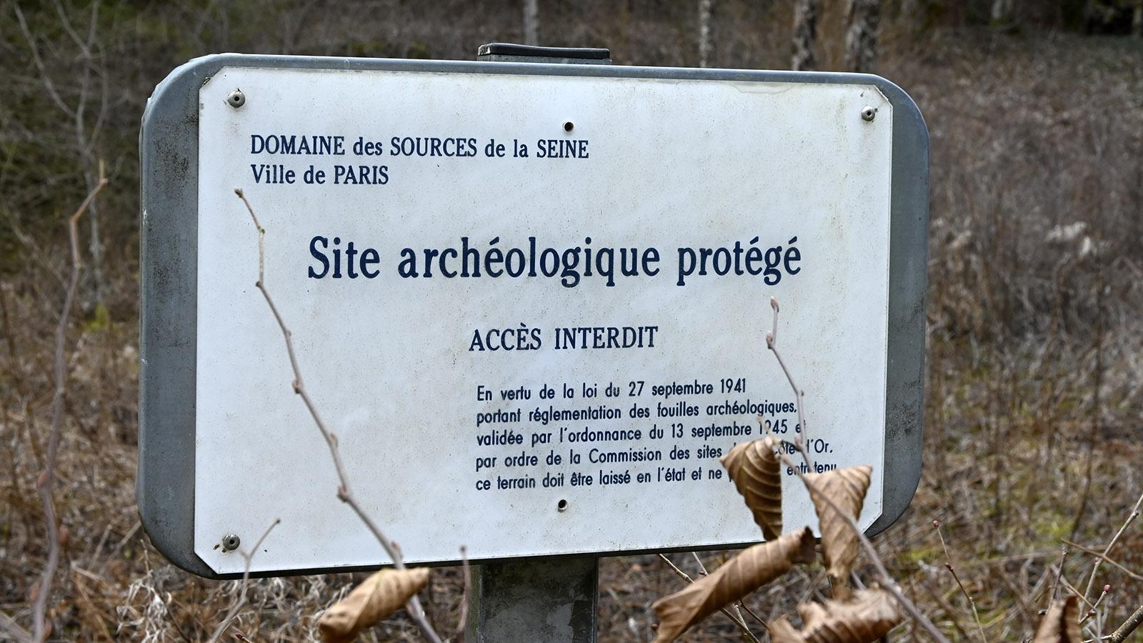 Seine-Quellen: das antike Quellheiligturm darf nicht betreten werden. Foto: Hilke Maunder