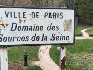 Seine-Quelle: Der kleine Park der Seine-Quellen gehört zur Stadt Paris. Foto: Hilke Maunder