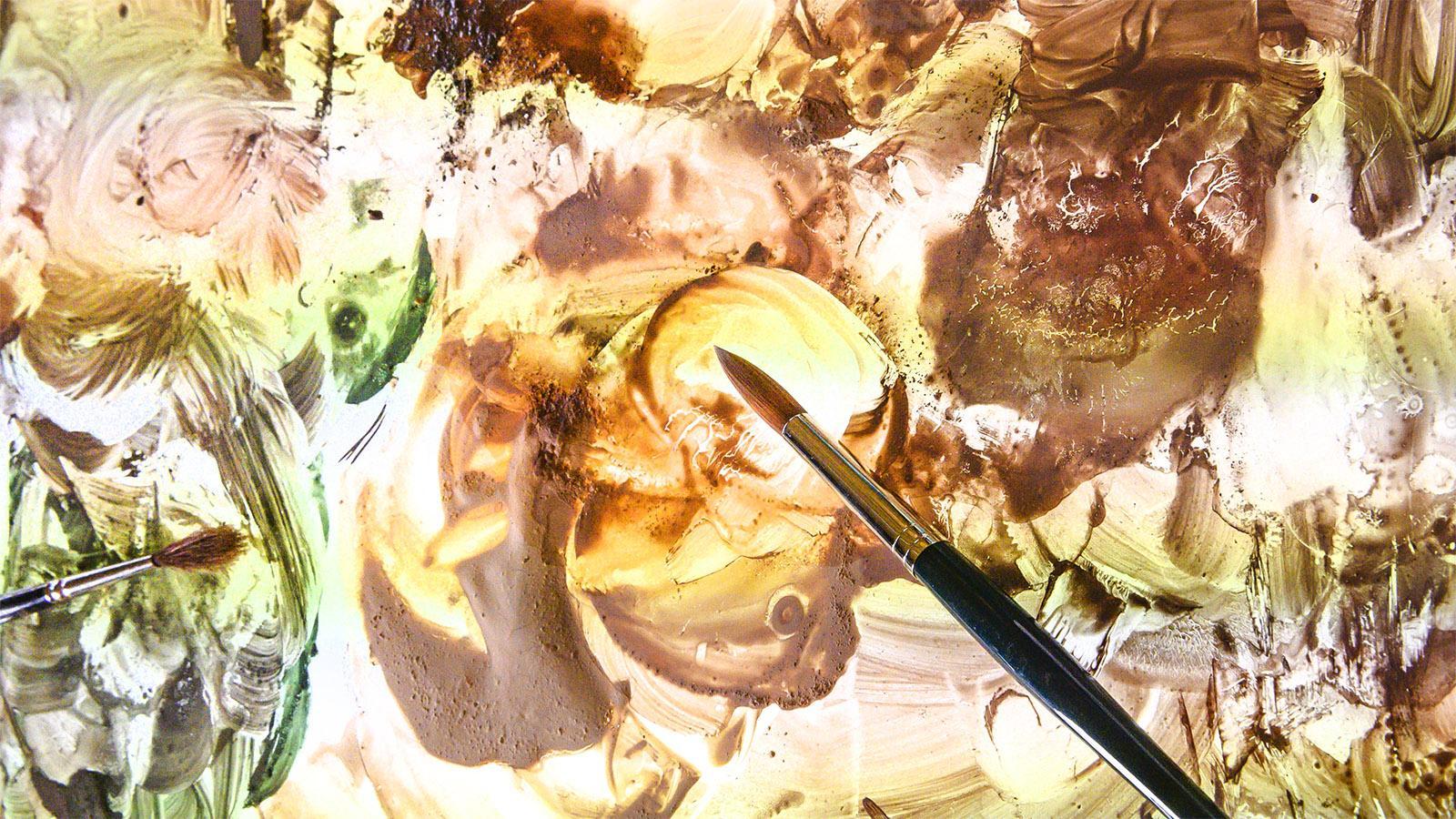 Die Farben in der Werkstatt von Flavie Vincent-Petit. Foto: Hilke Maunder