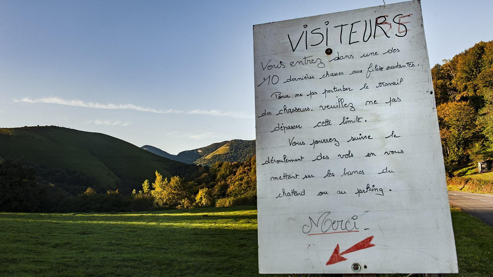 Jagd: Infos zur Vogeljagd am Col d'Osquich. Foto: Hilke Maunder