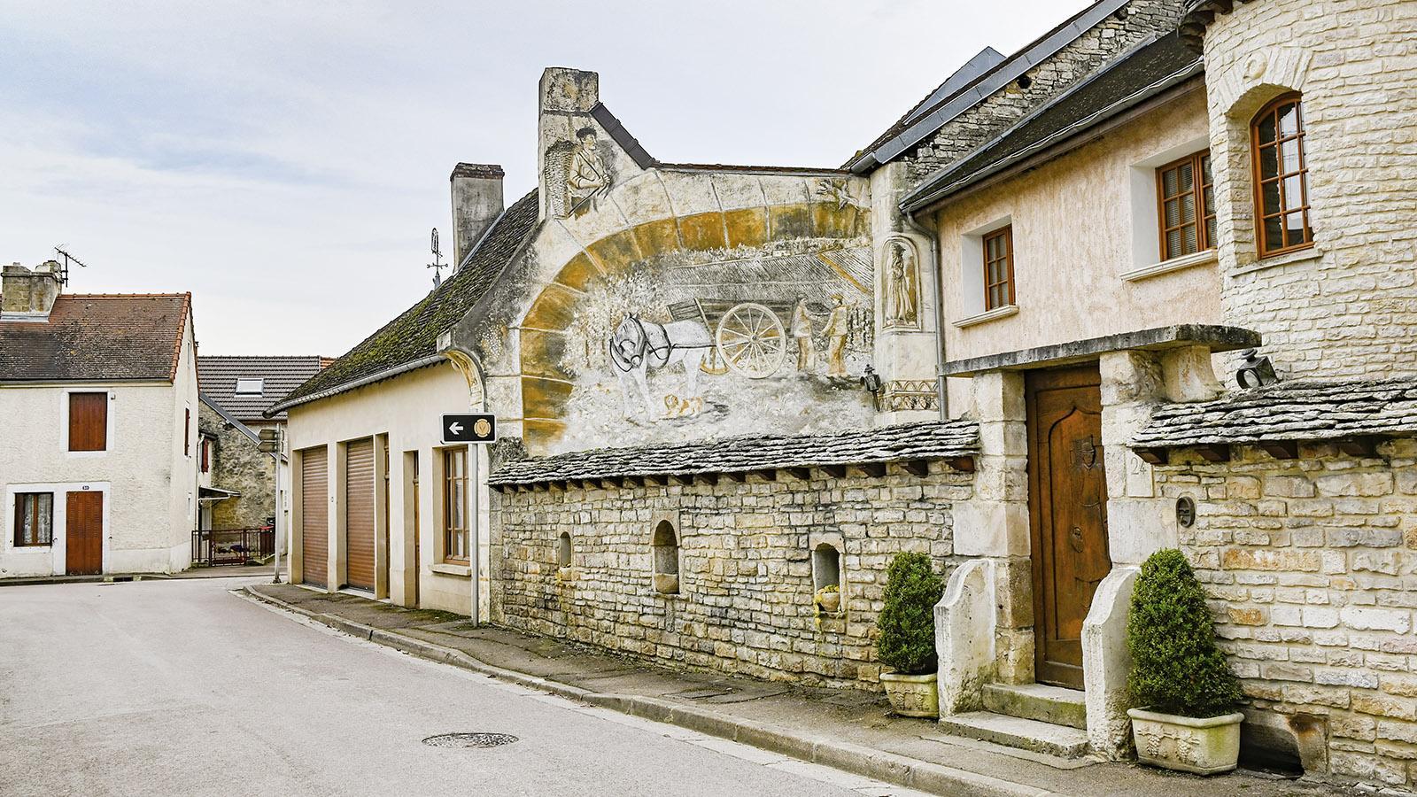 Cote des Bars: unterwegs entdeckt - dieses Wandbild. Foto: Hilke Maunder