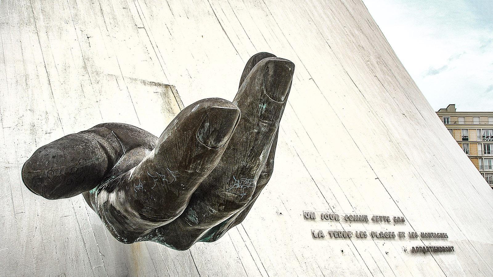 Le Havre, Le Volcan. Hand-Skulptur. Foto: Hilke Maunder
