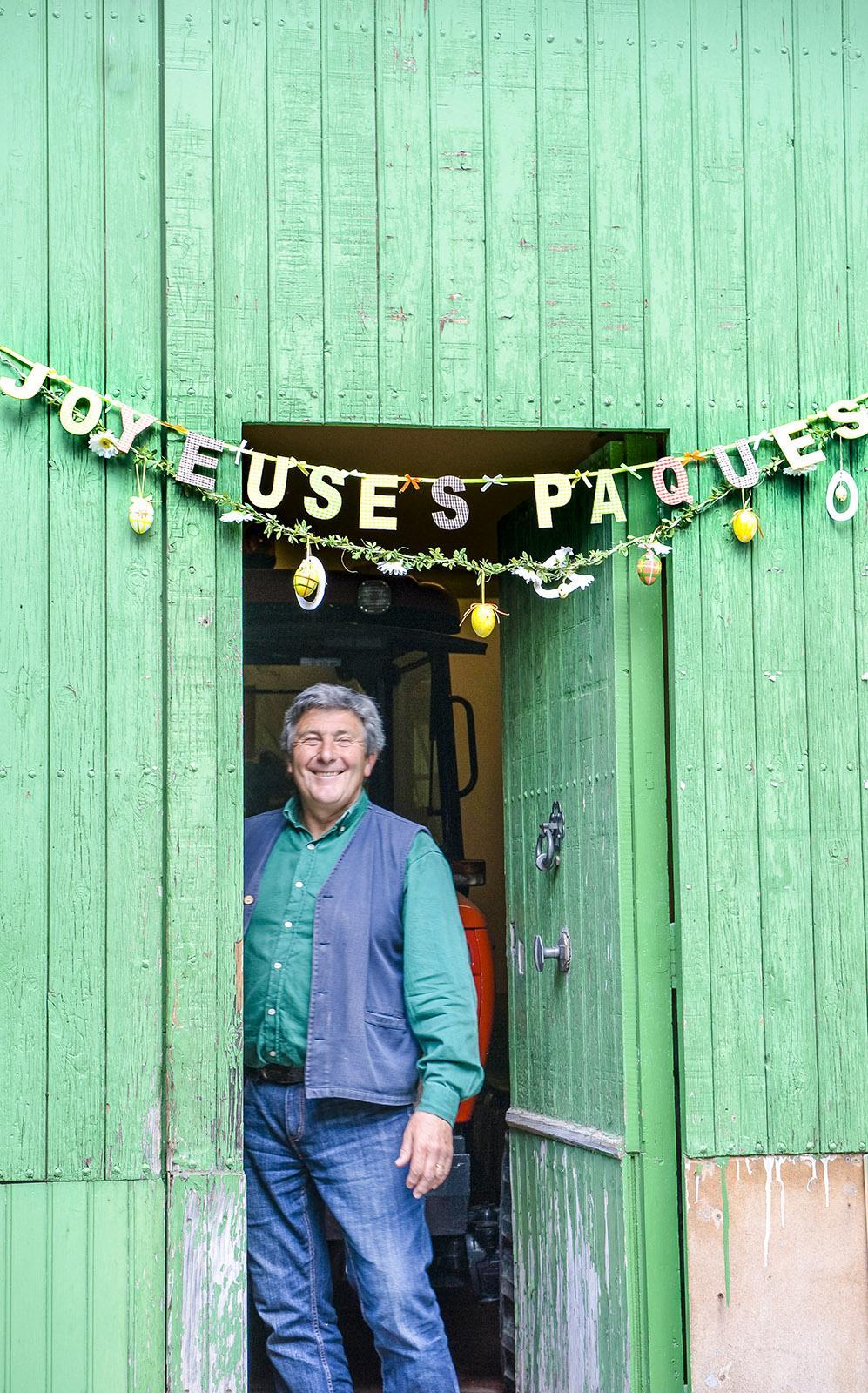 Auch ein Bauer aus Cubières-sur-Cinoble wünscht: Frohe Ostern! Foto: Hilke Maunder