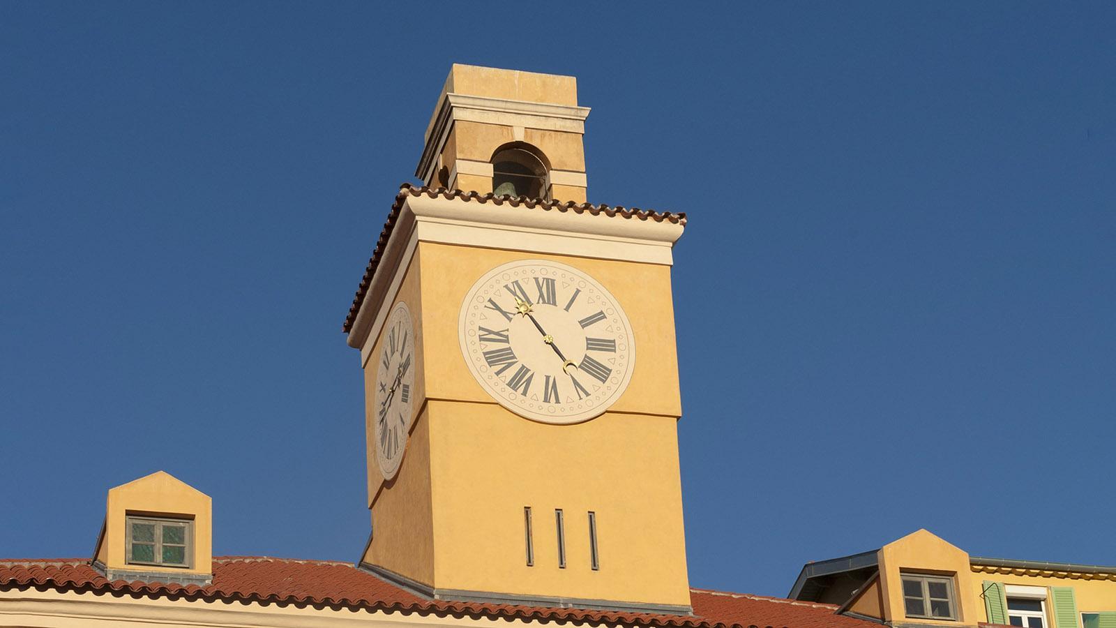 Uhrturm am Hafen. Foto: Hilke Maunder