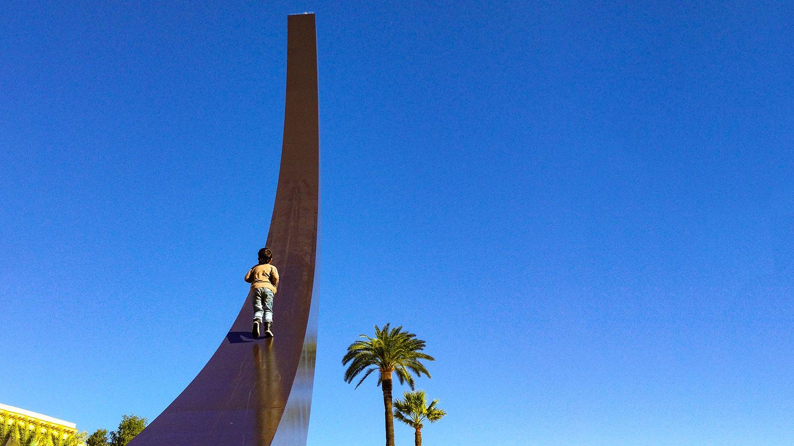 Nizza: Skulptur an der Promenade du Paillon. Foto: Hilke Maunder