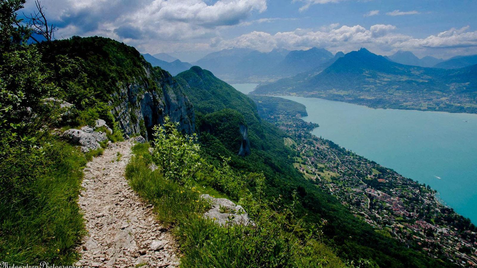 Wanderweg am Mont Veyrier. Foto: Hilke Maunder