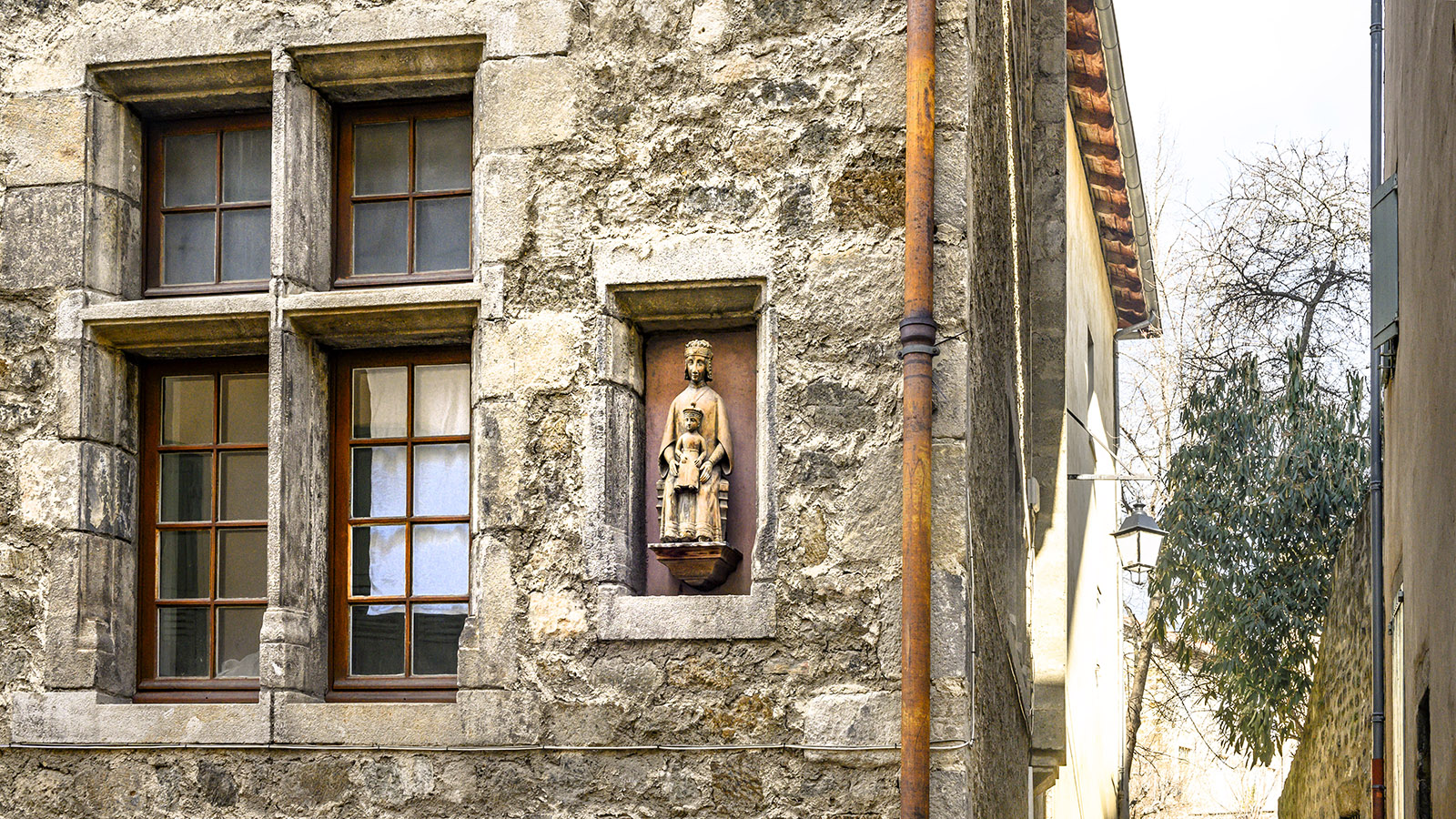 Le Puy-en-Velay. Erkerfigur. Foto: Hilke Maunder