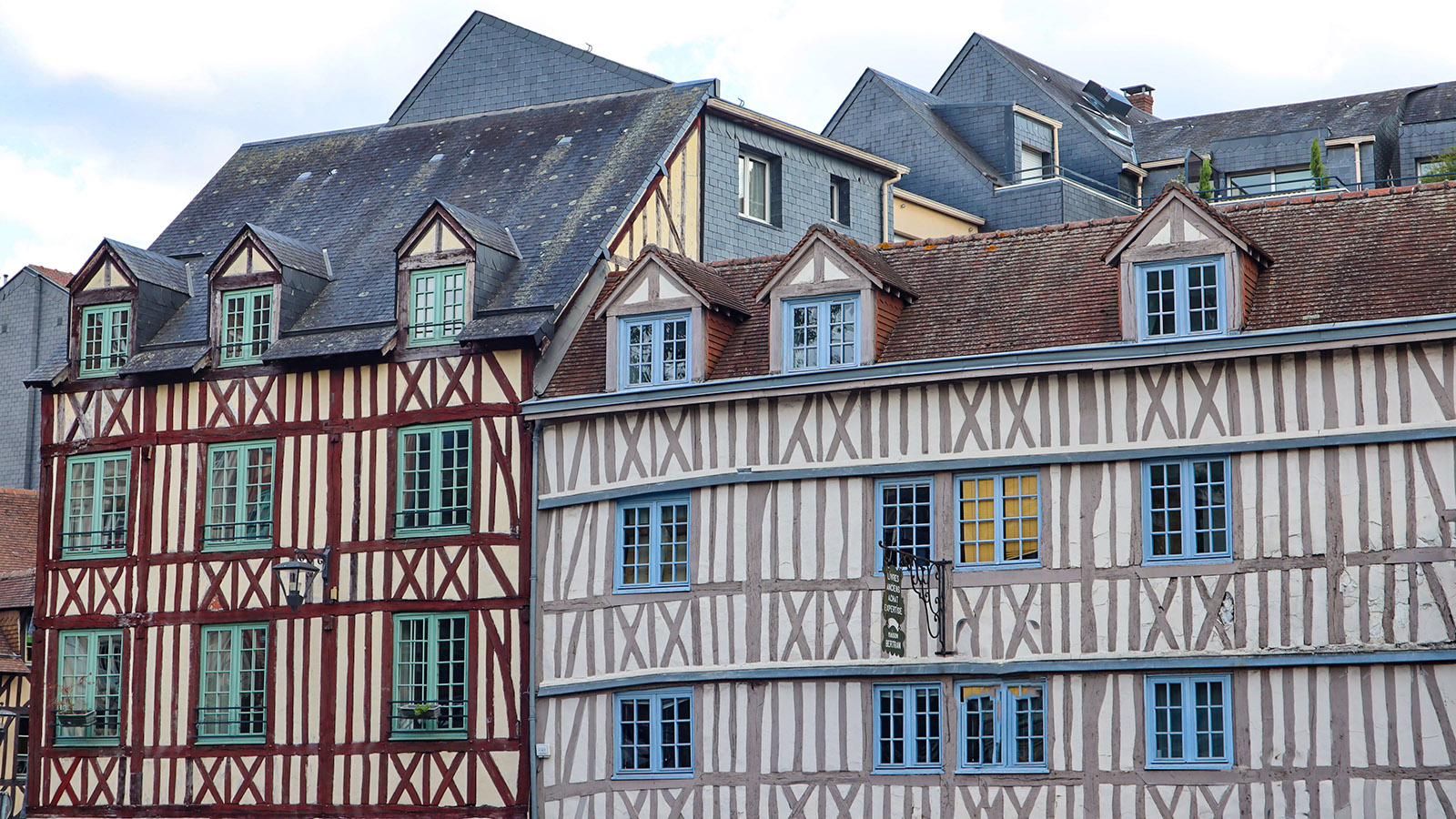 Die Librairie Bertran in Rouen ist eine Fundgrupe für alte Bücher. Foto: Uschi Hennen