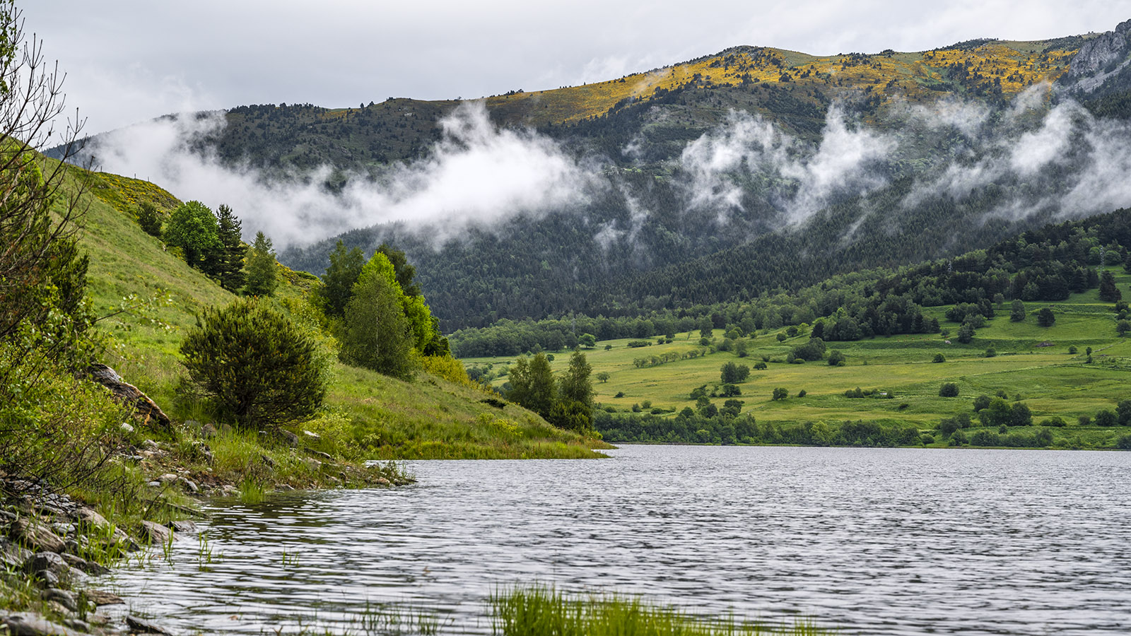 Der Stausee von Puyvalador. Foto: Hilke Maunder