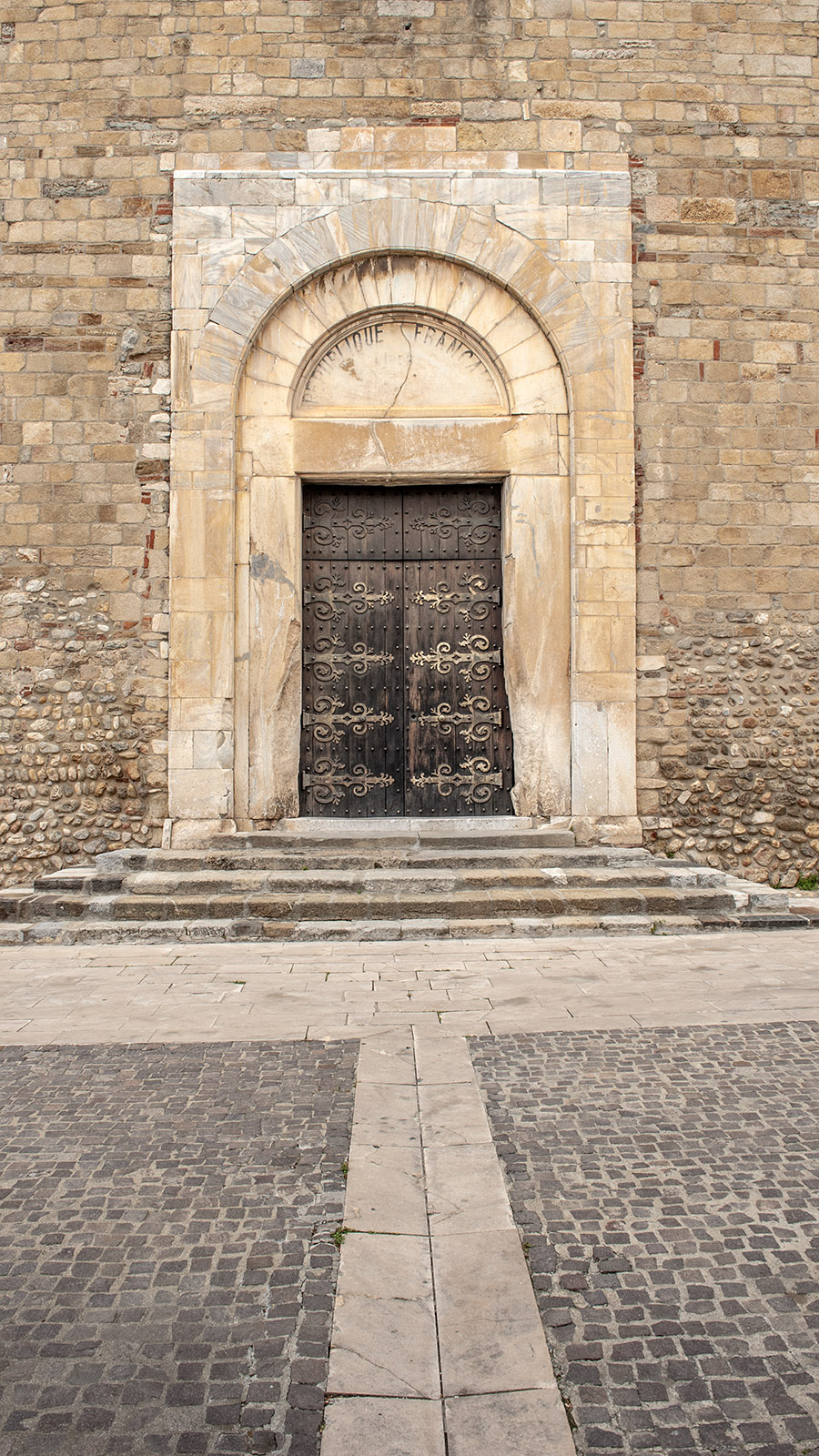 Elne: Die Kathedrale Sainte-Eulalie-et-Sainte-Julie. Foto: Hilke Maunder