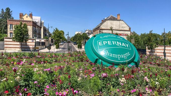 Epernay: Kreisel am Auftakt der Avenue de Champagne. Foto: Hilke Maunder