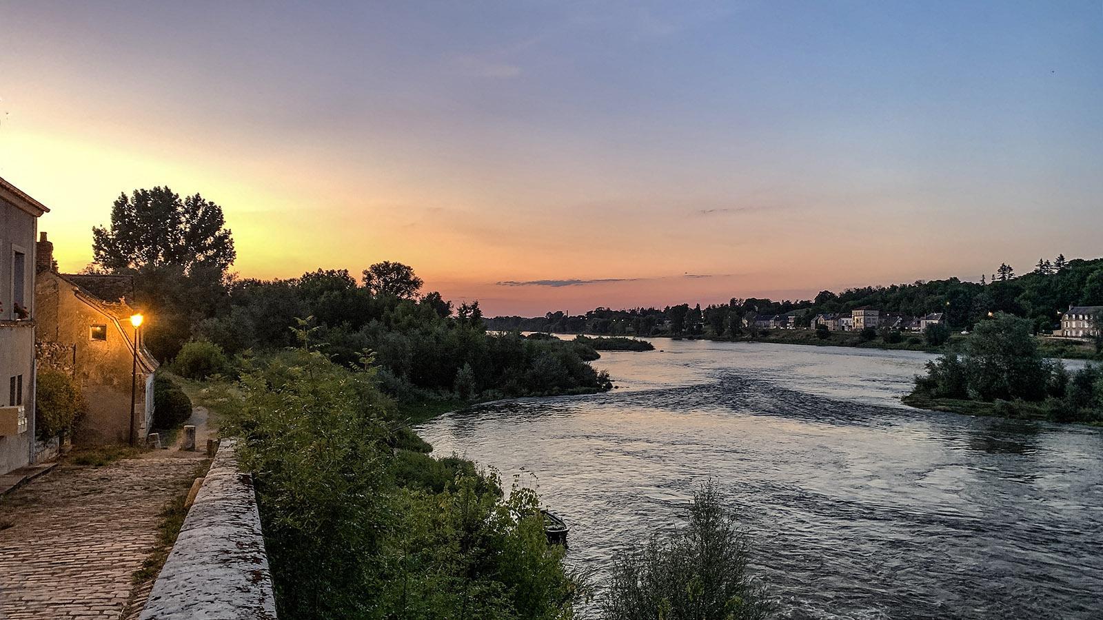 La Charité-sur-Loire: Sonnenuntergang auf der ÎLe du Faubourg. Foto: Hilke Maunder