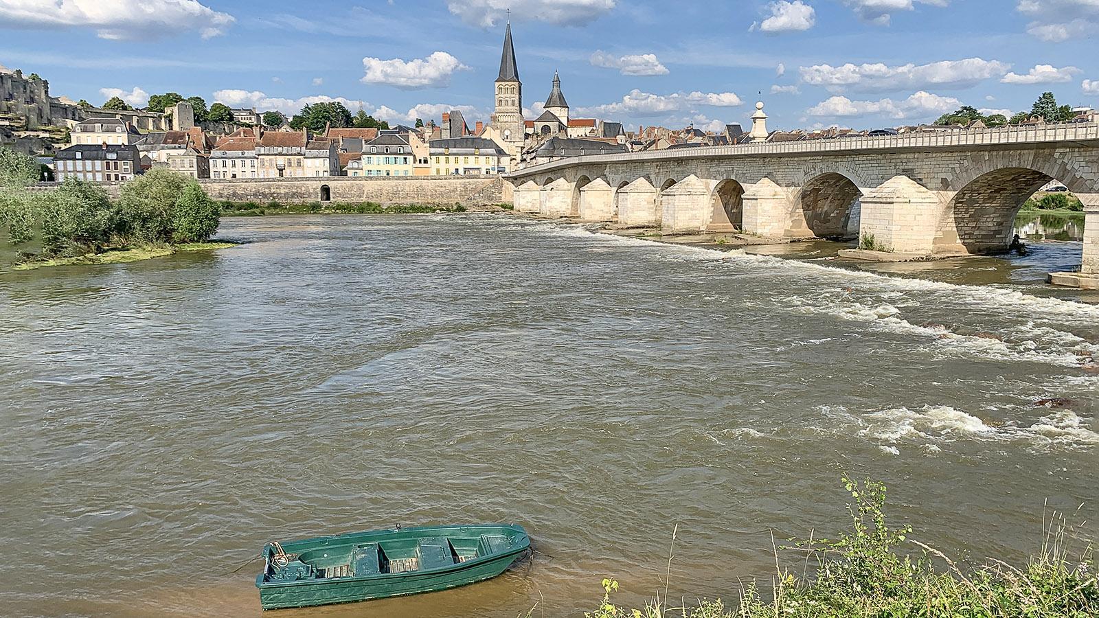 La Charité-sur-Loire: der Grand Pont Foto: Hilke Maunder