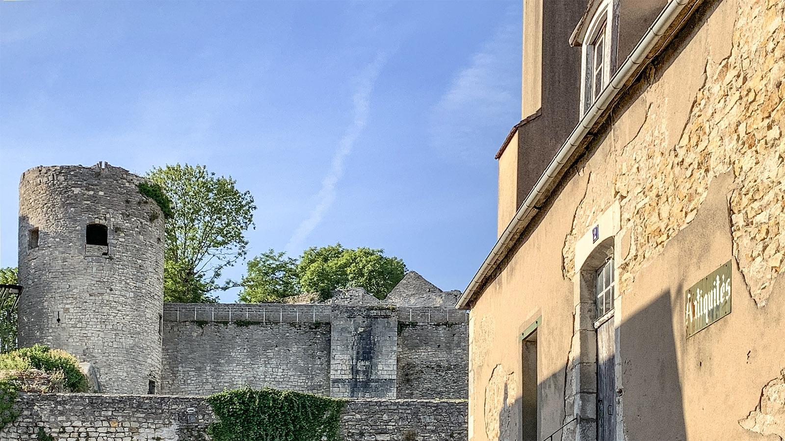 La Charité-sur-Loire: die nördliche Stadtmauer. Foto: Hilke Maunder