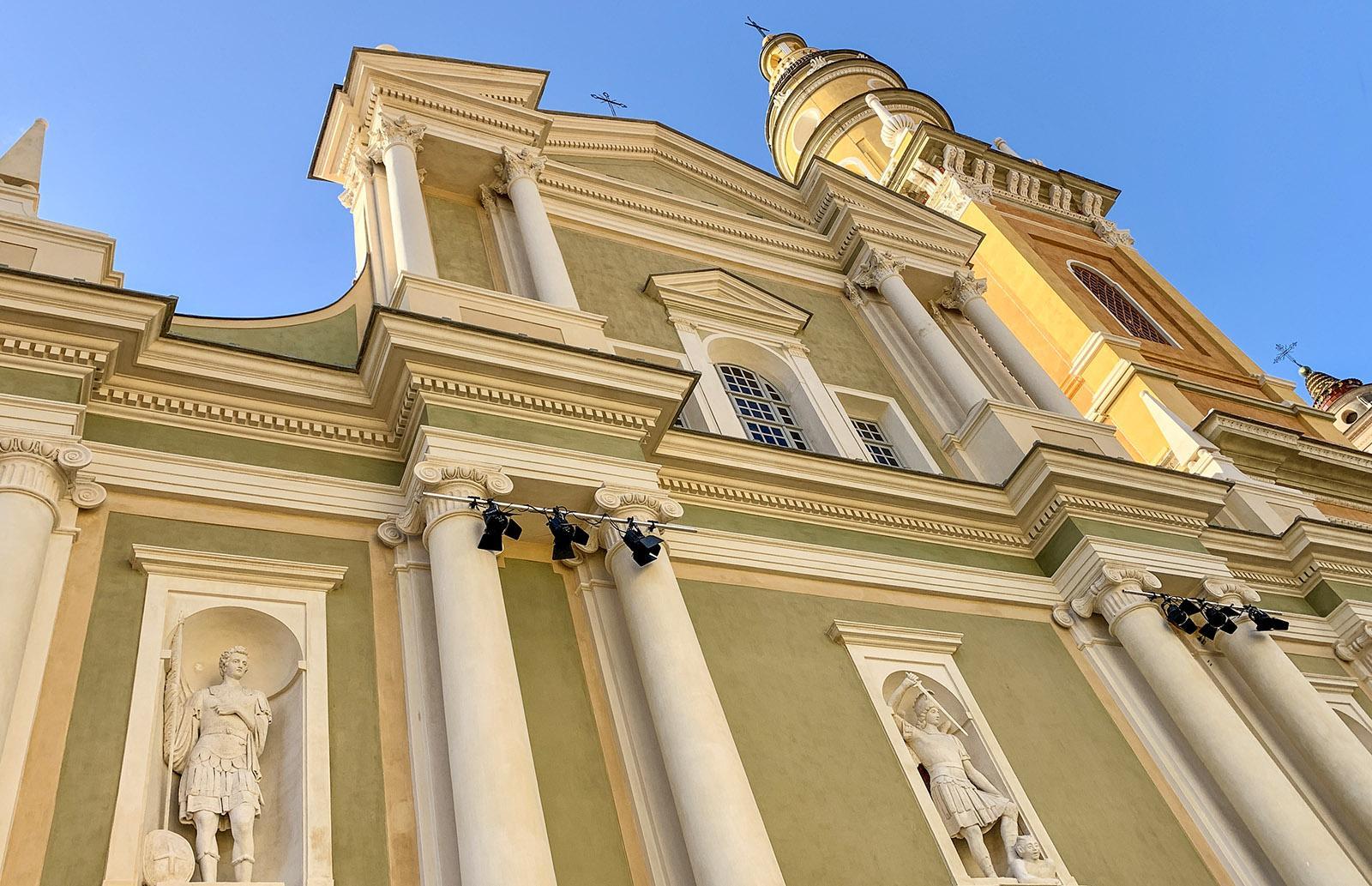 Menton: die Basilika des Erzengels Michael. Foto: Hilke Maunder