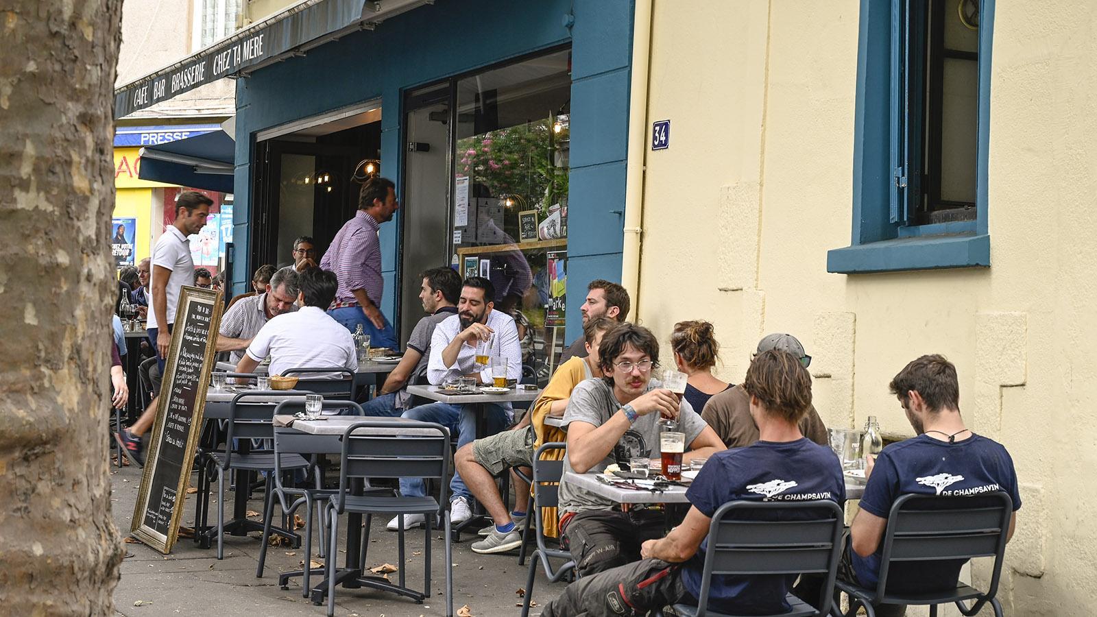 Chantenay: Chez ta mère: Hier triffft sich mittags und abends das quartier. Foto: Hilke Maunder