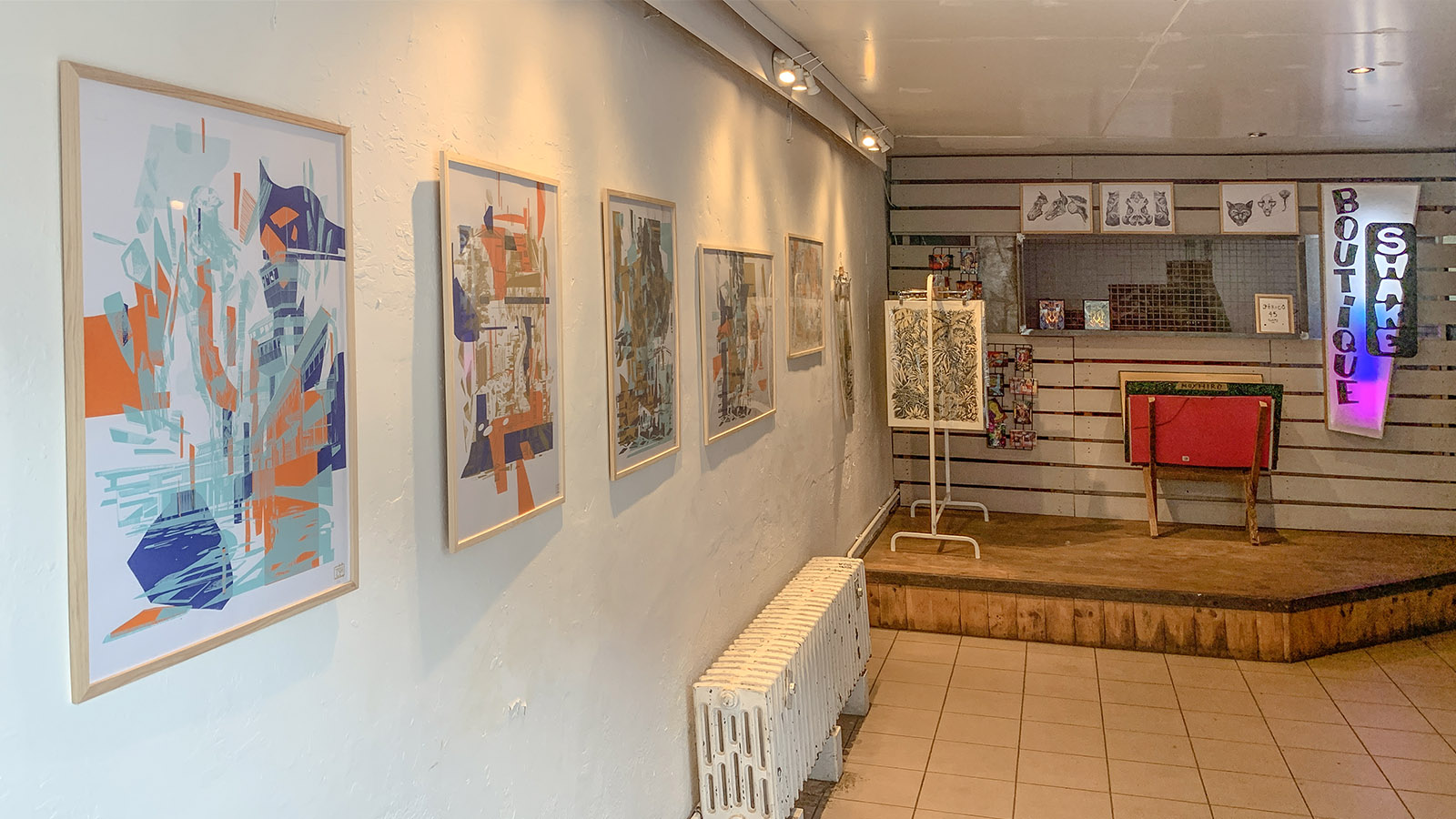 Zum Bistro <em>Les Usines</em> gehört auch eine Galerie. Foto: Hilke Maunder